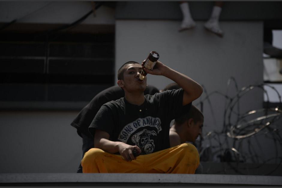 Los adolescentes ingresaron a una bodega y robaron cervezas. (Foto: Wilder López/Soy502)