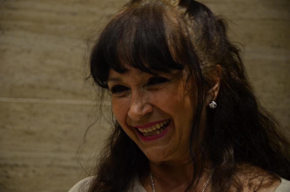 Verónica Arjona, hermana del cantautor, asistió a la proyección, (Foto: Selene Mejía/Soy502)