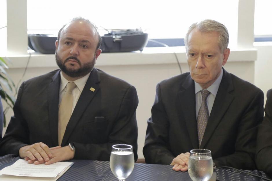 Presidente de Guatemala criticó suspensión a empresa minera
