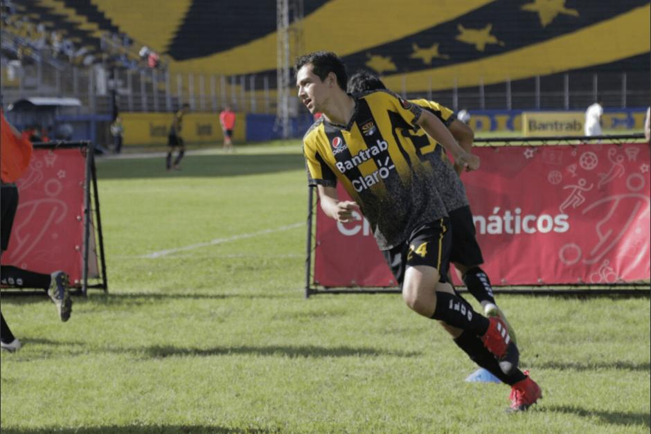 José Manuel Morales fue presentado como parte de Aurora FC. (Foto: Alejandro Balán/Soy502)
