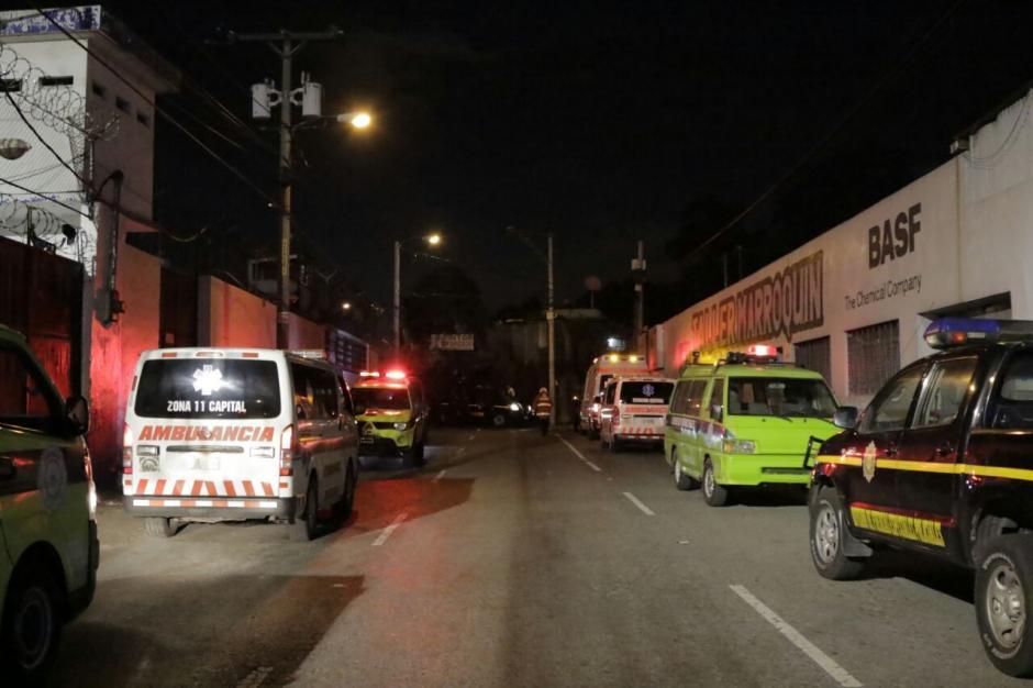 Los socorristas se presentaron para atender cualquier emergencia. (Foto: Alejandro Balán/ Soy502)