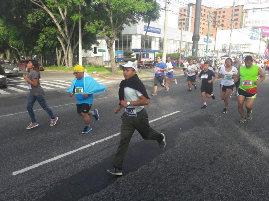 La carrera de 13 kilómetros tuvo varias categorías.  (Foto: PNC)