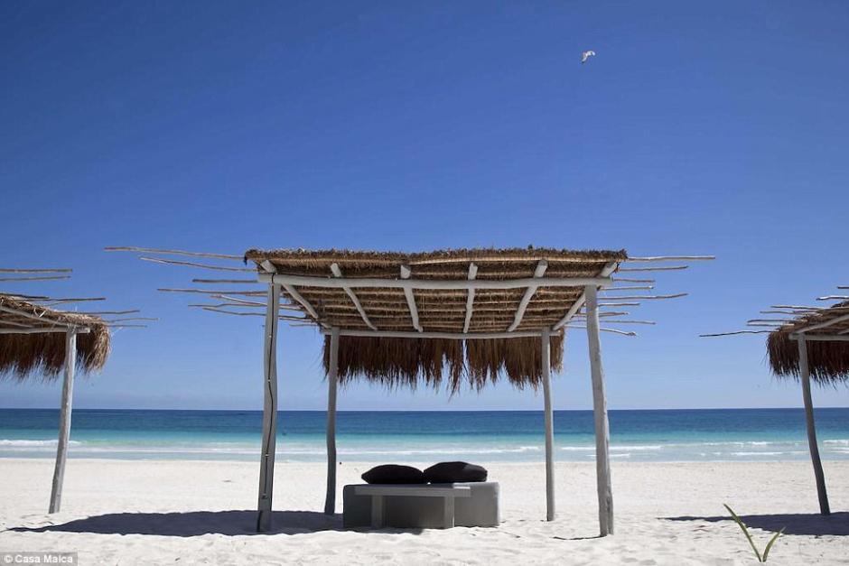 En la playa privada los huéspedes de este lujoso hotel tendrán privacidad y paz. (Foto: Dailymail)
