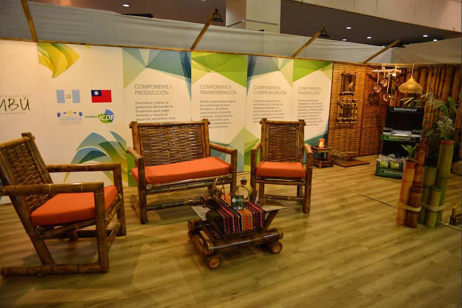 Los muebles se hacen de todo tipo de maderas que se producen en el país. (Foto: Jesús Alfonso/Soy502)