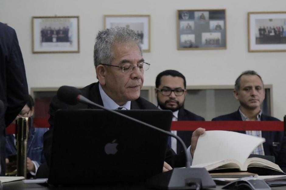 El juez Miguel Ángel Gálvez se encuentra frente a la Junta Disciplinaria del Organismo Judicial (Foto: Alejandro Balán/Soy502)