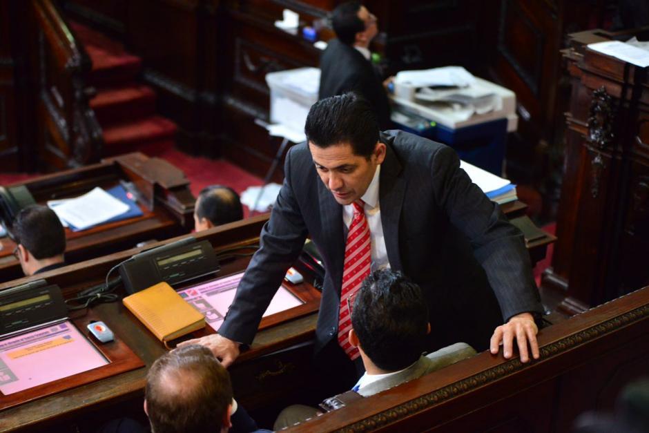 Óscar Chinchilla asegura que hay recursos pendientes de resolver que podrían permitir que los diputados reciban el Bono 14 como en años anteriores. (Foto: Jesús Alfonso/Soy502)