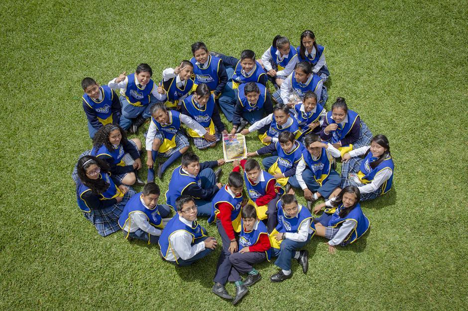 Niños de distintos establecimientos fomentan el hábito de lectura con El Chispazo. (Foto: George Rojas/Soy502)