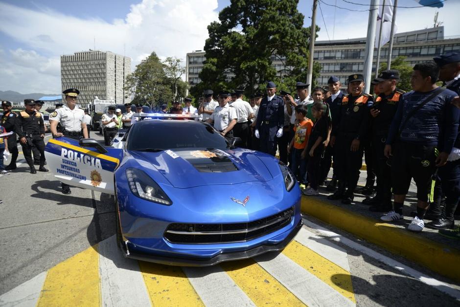El auto fue puesto en exposición este día. (Foto: Wilder López/Soy502)