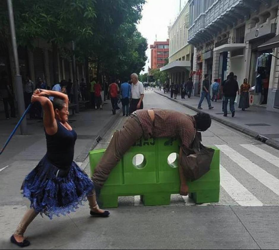 Cómo olvidar el último enfrentamiento en la Sexta Avenida. (Foto: captura de Facebook)