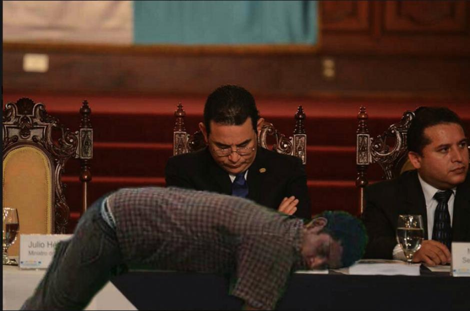 """El presidente Jimmy Morales también fue usado para los """"memes"""". (Foto: captura de Facebook)"""