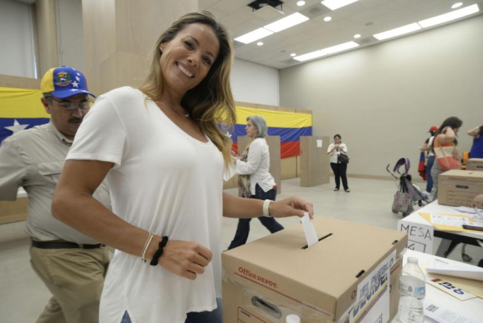 Entre los asistentes, figuró la modelo venezolana Deisy Arvelo, esposa del cantautor Ricardo Arjona. (Foto: Wilder López/Soy502)