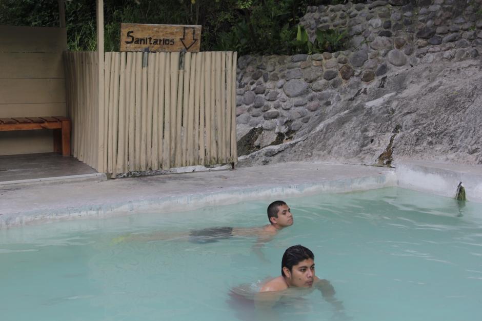 El lugar cuenta con cinco piscinas que pueden utilizar los visitantes. (Foto: Fredy Hernández/Soy502)