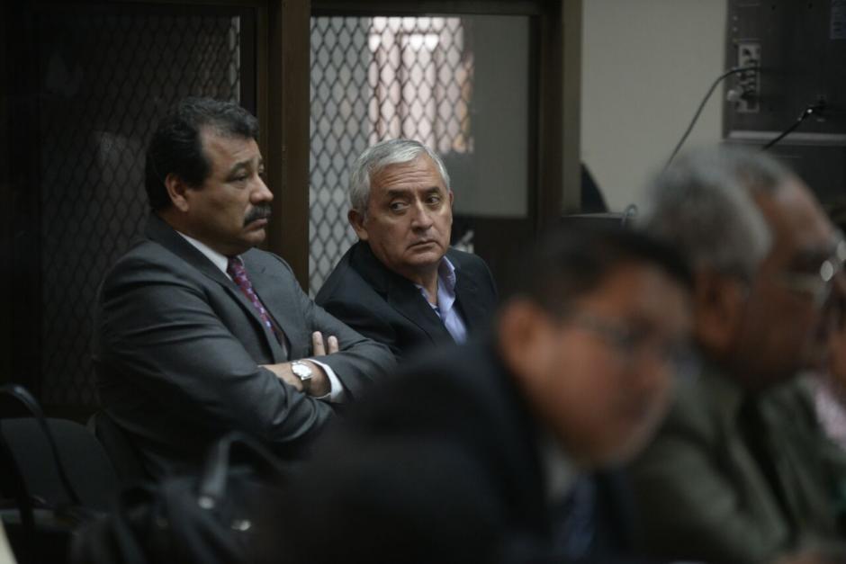 El expresidente Otto Pérez Molina estuvo en tribunales para escuchar que la audiencia de nuevo fue suspendida. (Foto: Wilder López/Soy502)