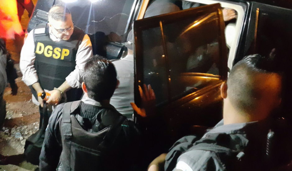Duarte llega al hangar de Guatemala para ser extraditado