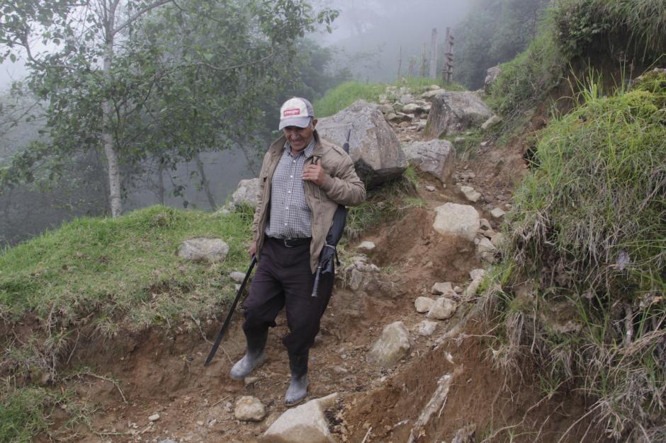 El sendero actual tiene muchas partes complicadas por la presencia de rocas. (Foto: Fredy Hernández/Soy502)