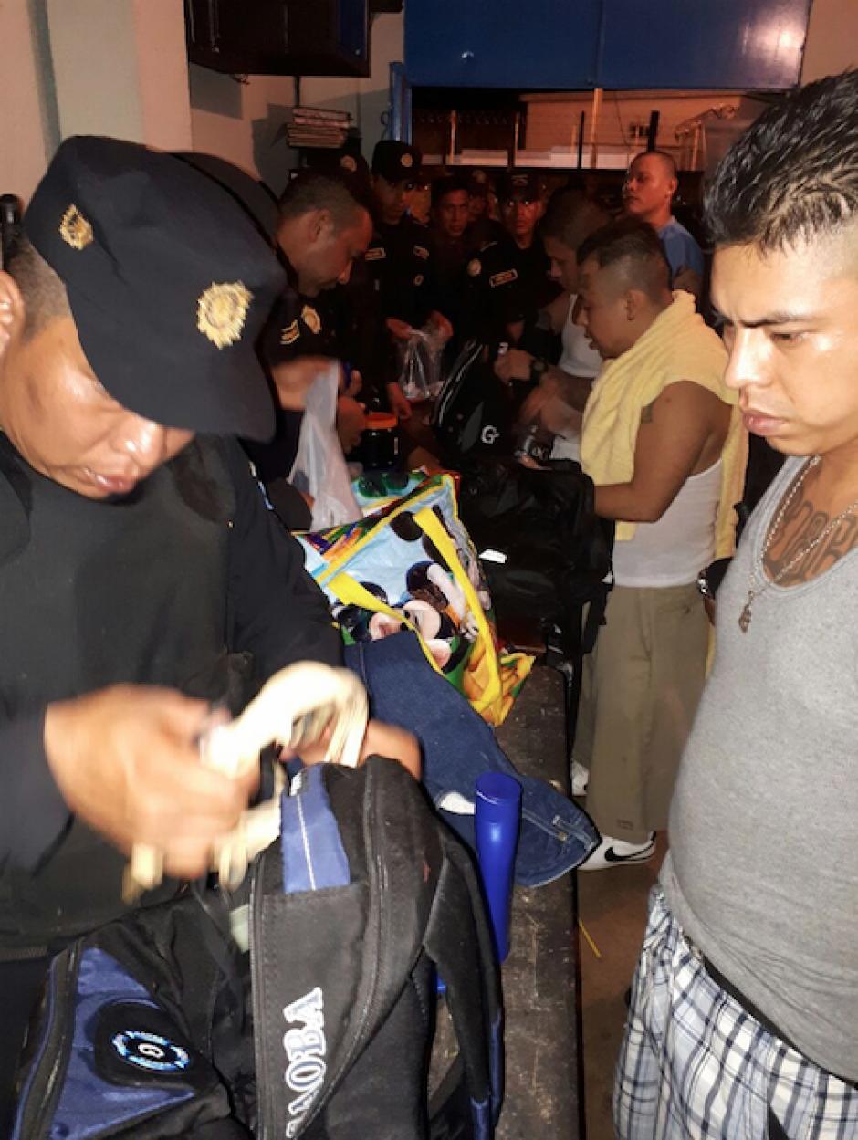 La Policía Nacional Civil dirigió una requisa en la cárcel El Infiernito. (Foto: PNC)