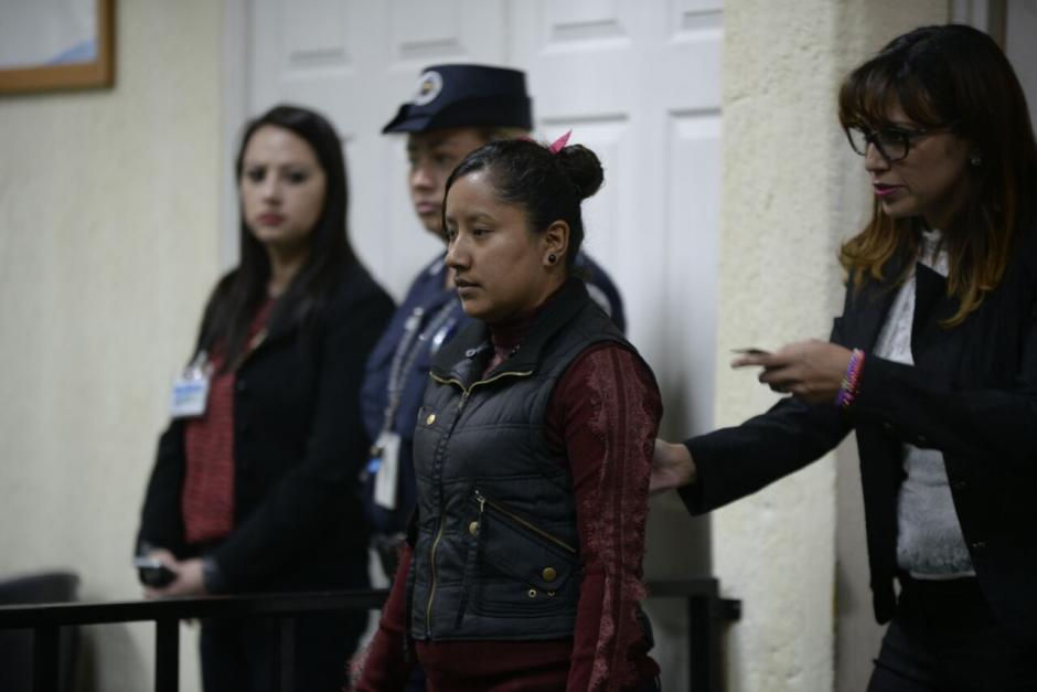 Griselda Beatriz Álvarez se entregó a la justicia en el inicio de la audiencia.  (Foto: Wilder López/Soy502)