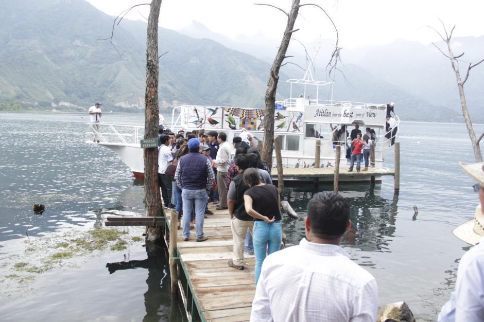 El Crucero Atitlán permite conocer varios pueblos de Atitlán navegando por las aguas del lago. (Foto: Archivo/Soy502)