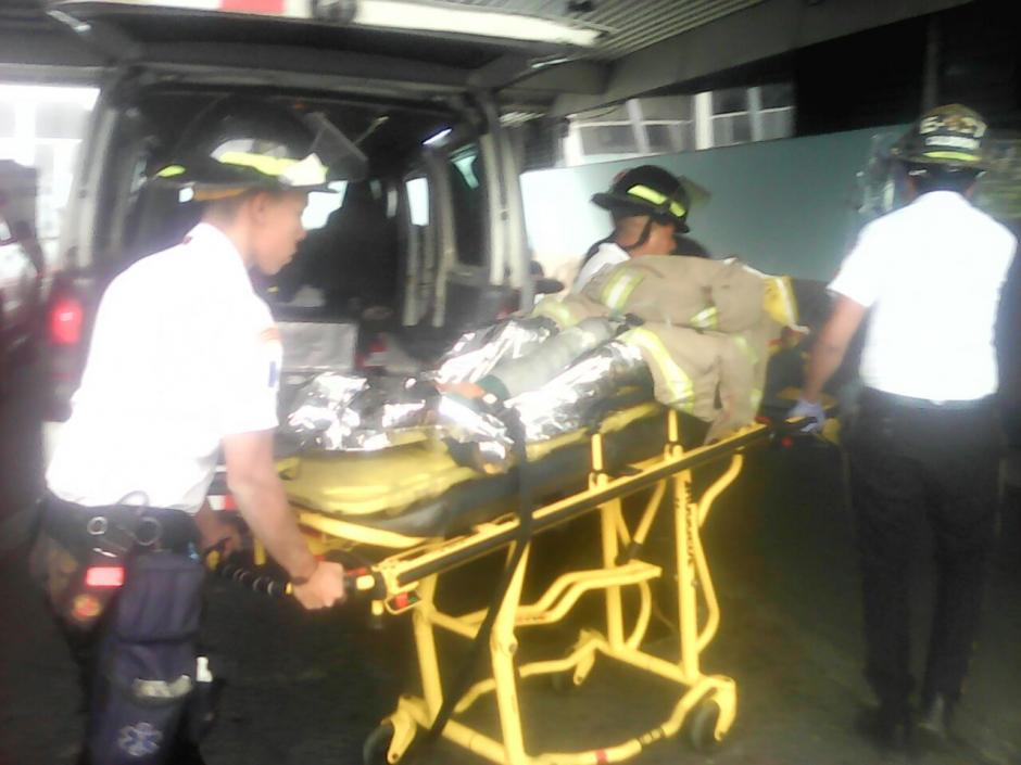 La víctima fue llevada hacia el Hospital San Juan de Dios. (Foto: Bomberos Voluntarios)
