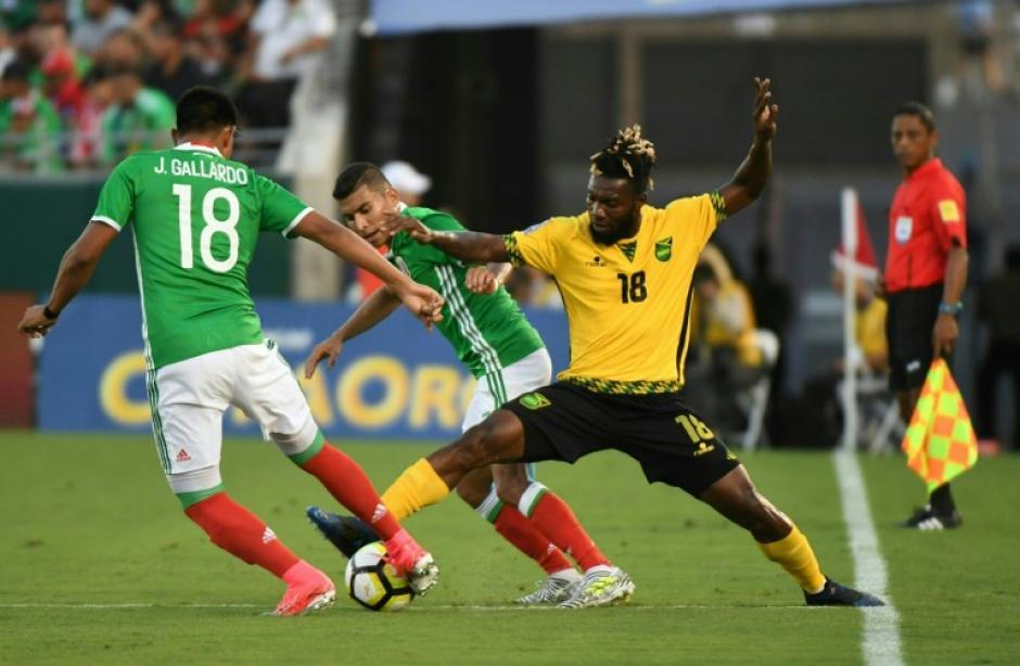 Los mexicanos no pudieron contra el ordenado juego jamaiquino. (Foto: AFP)