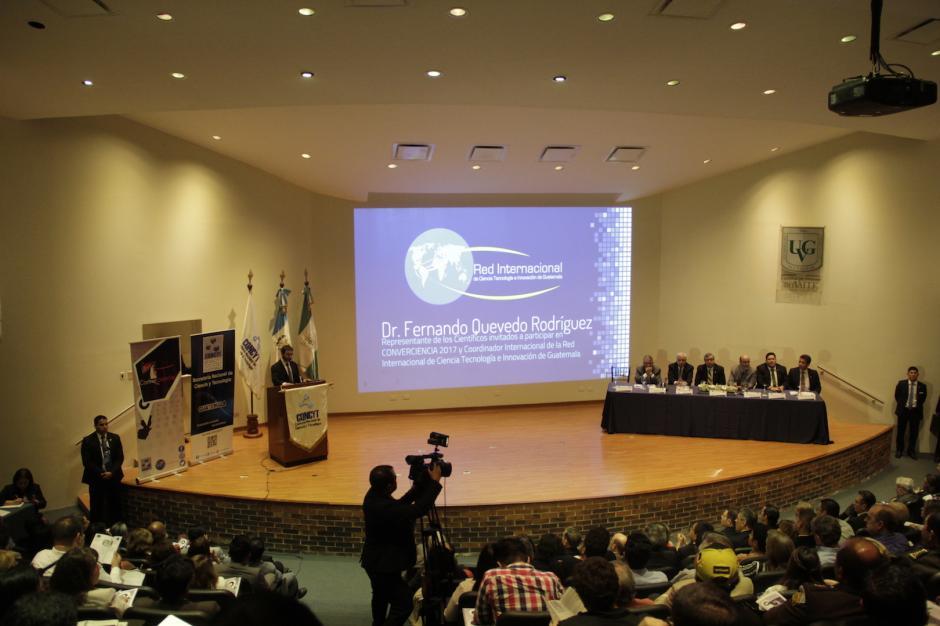 El evento reúne a científicos guatemaltecos destacados en diversas partes del mundo. (Foto: Fredy Hernández/Soy502)