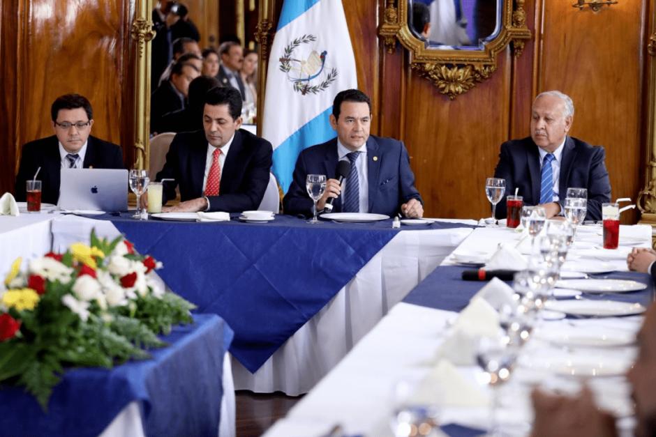 El mandatario enviará una nueva propuesta de reformas a la Ley de Compras y Contrataciones. (Foto: Gobierno de Guatemala)