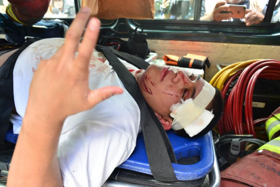 Los internos fueron trasladados al hospital Roosevelt. (Foto: Jesús Alfonso/Soy502)
