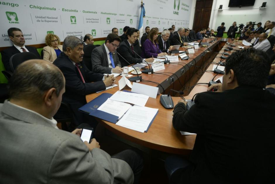 Según la UNE, hay más contratos con empresas cuestionadas. (Foto: Wilder López/Soy502)