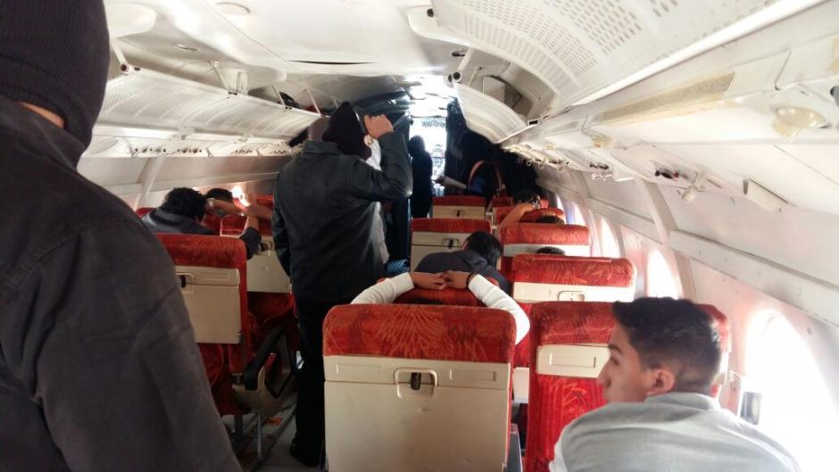 """Los """"actores"""" que participaron en el simulacro intimidaron a los pasajeros. (Foto: DGAC)"""