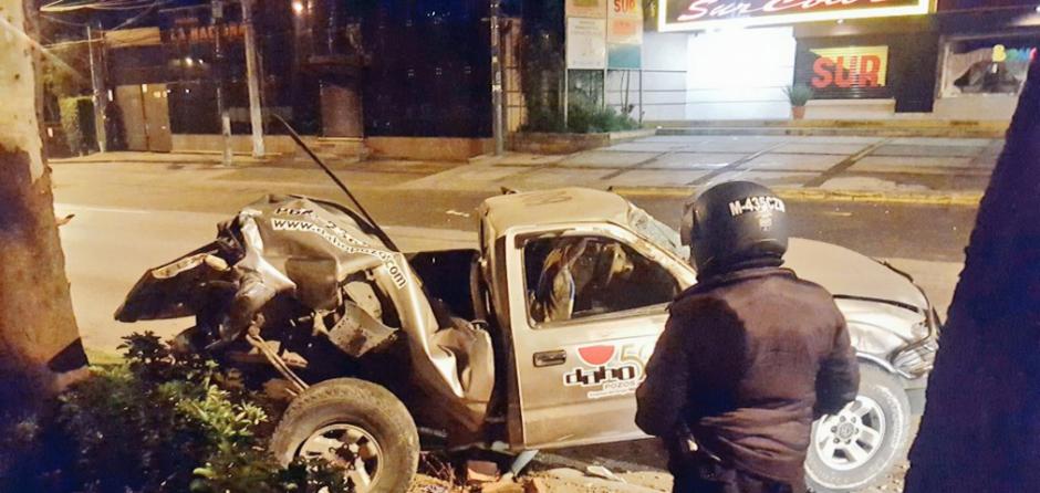 Dos personas heridas fueron trasladadas. (Foto: Twitter/jvelasquez340)