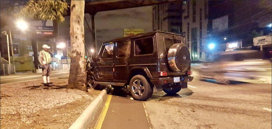El accidente fue protagonizado por dos vehículos. (Foto: Twitter/jvelasquez340)
