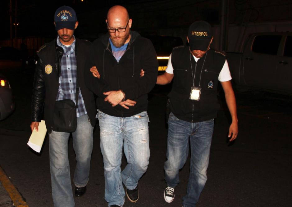La detención se realizó en el aeropuerto cuando llegaba de El Salvador. (Foto: PNC)