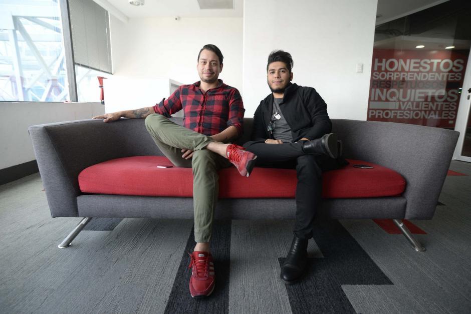 """Diego, de 29 años, y Daniel, de 23, viajarán al Festival de Cannes donde participarán en la categoría """"print"""". (Foto: Wilder López/Soy502)"""