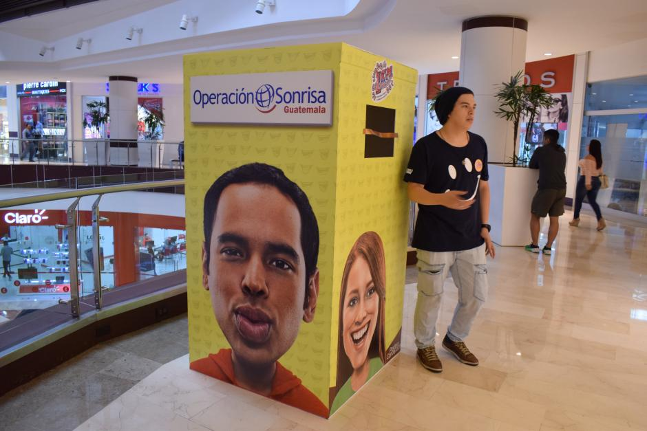 Puedes comprar espacios del Kilómetro de Sonrisas de lunes a domingo de 10 a 20 horas a través de pagos con tarjeta de crédito, débito o efectivo. (Foto: Nathaly Arbizú/Soy502)
