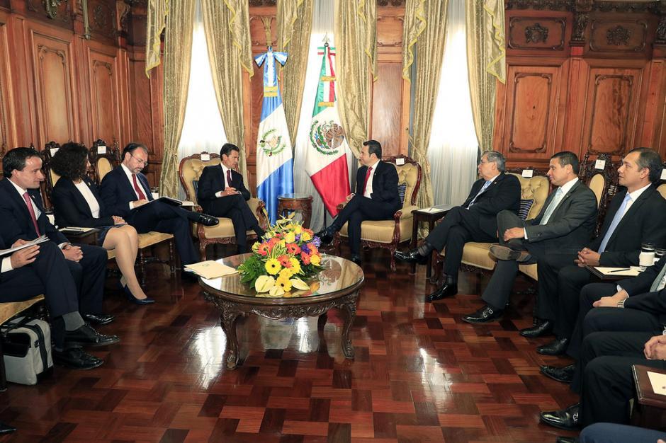 Los dos mandatarios se reunieron en el despacho presidencial. (Foto: Gobierno)