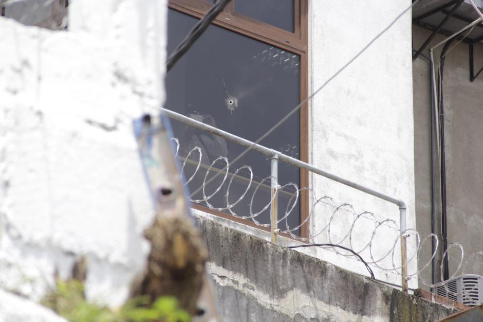 Se cree que el atacante disparó desde la esquina de la 3.ª calle y 4.ª avenida, atrás de la municipalidad. (Foto: Fredy Hernández/Soy502)