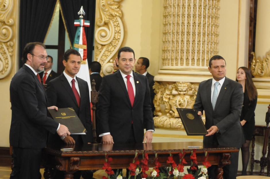 En total los dos países firmaron cuatro acuerdos bilaterales. (Foto: Jesús Alfonso/Soy502)