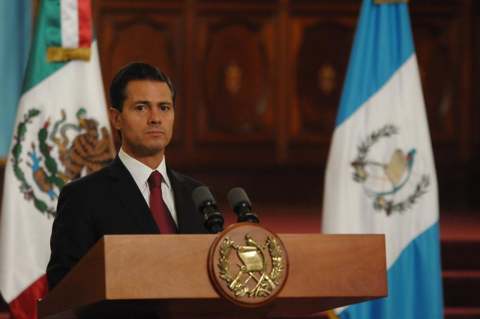 El presidente Peña Nieto voló desde Guatemala en la noche del martes. (Foto: Jesús Alfonso/Soy502)