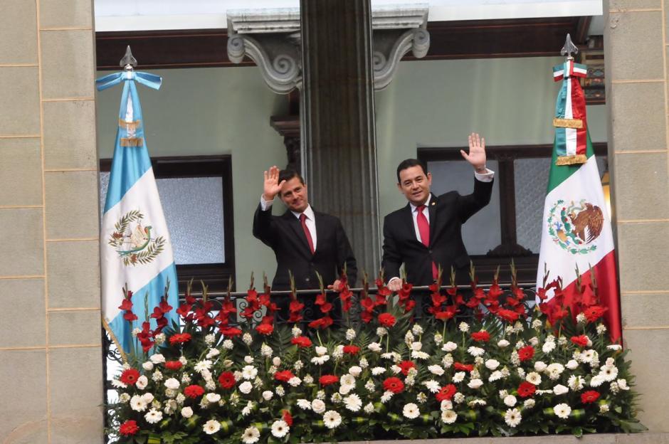 Jimmy Morales recibió en Palacio Nacional de la Cultura a Enrique Peña Nieto. (Foto: Jesús Alfonso/Soy502)