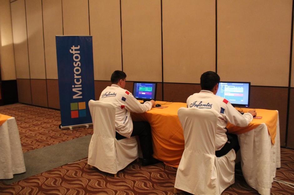 Los alumnos estuvieron concentrados en sus pruebas. (Foto: Andrea Castillo/Soy502)