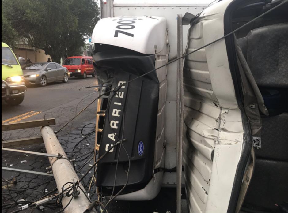 Según la PMT, el exceso de velocidad provocó el accidente. (Foto: Amílcar Montejo/Twitter)