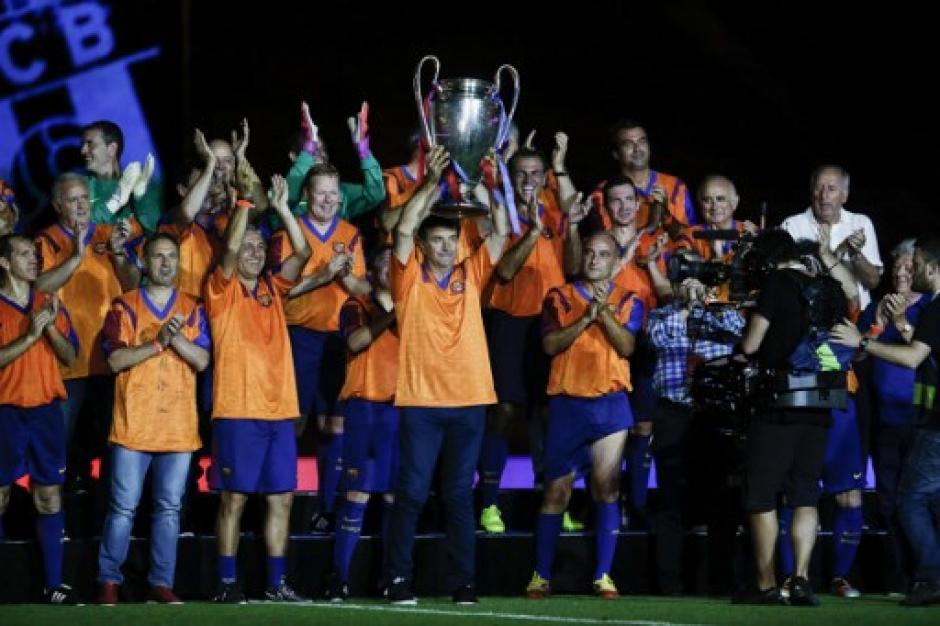 Los ganadores de la primera Champions de Barcelona se reunieron en el Camp Nou. (Foto: AFP)
