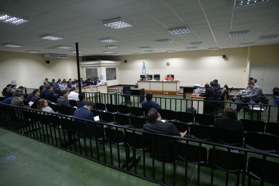 La audiencia de etapa intermedia del caso Negociantes de la Salud se realiza en la sala de mayor capacidad. (Foto: Wilder López/Soy502)