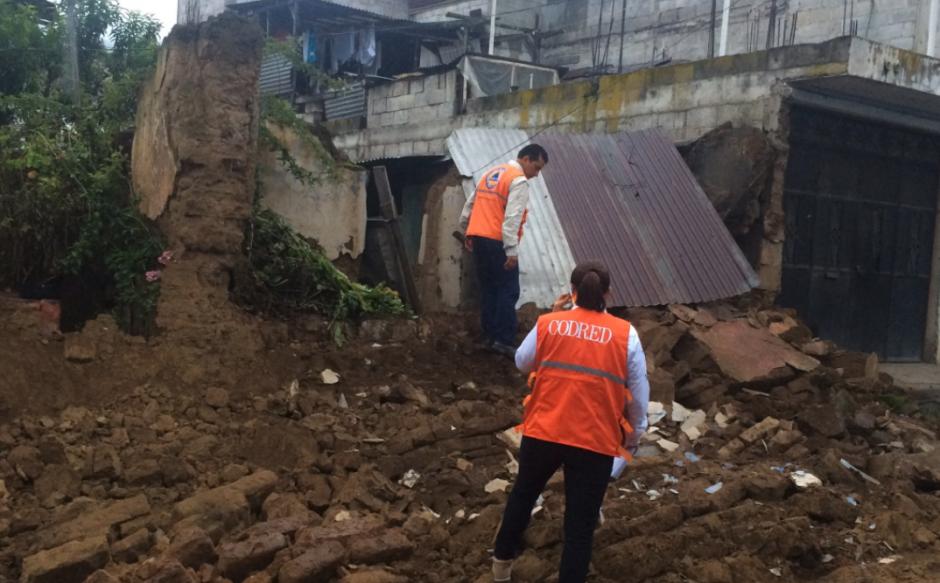 Los equipos continúan haciendo el recuento de los daños. (Foto: Stereo 100)