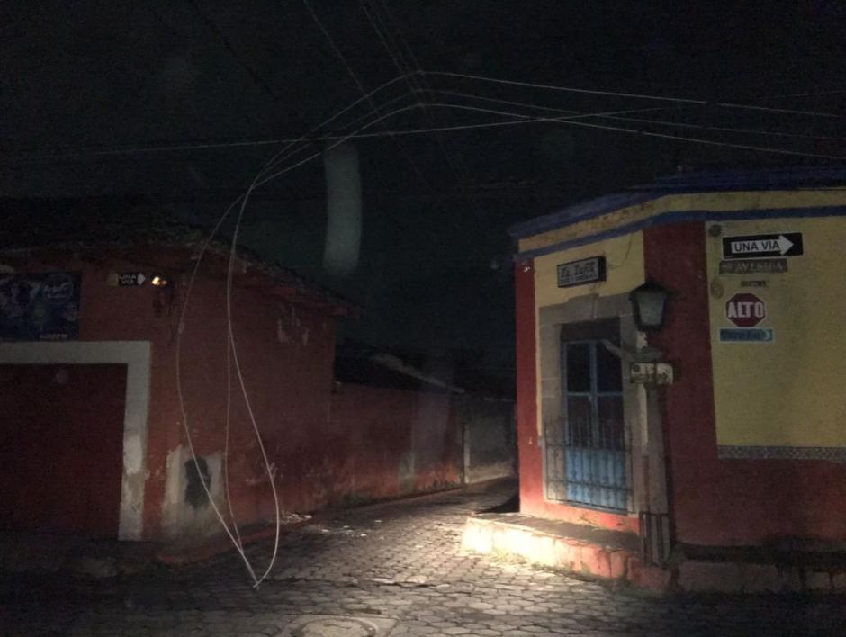En varias zonas de Quetzaltenango se fue la luz después del sismo. (Foto: Twitter/ @ConredGuatemala)