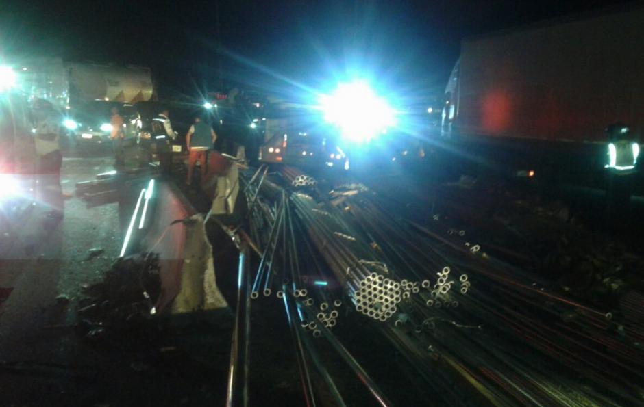 En el percance se vieron involucrados varios vehículos. (Foto: PMT Villa Nueva)