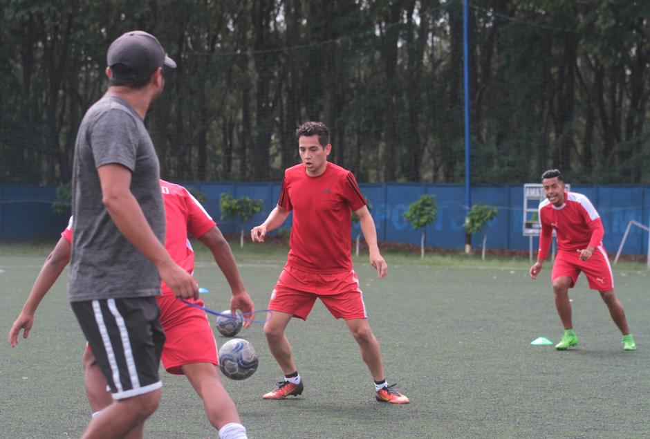 José Morales Marroquín juega como volante y busca una opción en Mixco. (Foto: Luis Barrios/Soy502)