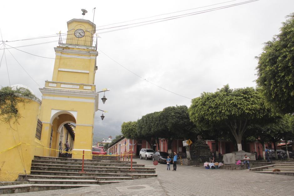 La Torre Municipal da la bienvenida a los propios y visitantes a Ciudad Vieja. (Foto: Fredy Hernández/Soy502)