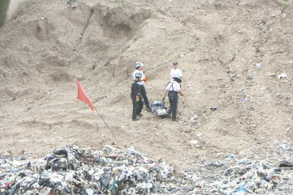 El cuerpo se encontraba en estado avanzado de descomposición y parecía estar momificado. (Foto: Bomberos Voluntarios)
