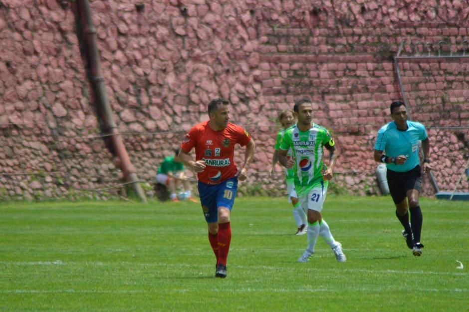 Del Piero utilizó el número 10 durante el encuentro. (Foto: Felipe Garrán/Soy502)